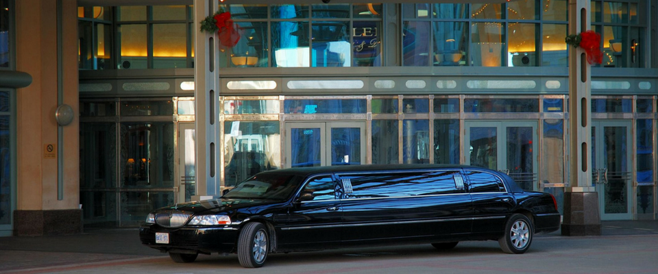 stretch black limo